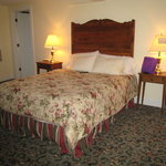 The Oaks Waterfront Inn and
