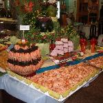 Superb energetic effort in food display