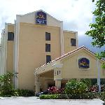 Photo de BEST WESTERN PLUS Kendall Hotel & Suites