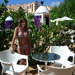  Terraza del bar de la piscina