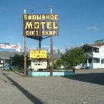 صورة فوتوغرافية لـ ‪Snowshoe Motel Fine Art and Gifts‬