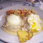 Eggs Benedict with Crab Cakes
