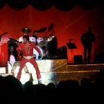 Lou Vuto as Elvis - Memories Theatre in Pigeon Forge, TN