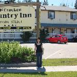 McCracken Country Inn Sign