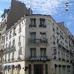 Hotel - typically Parisian building