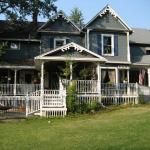 Bradley's Alderbrook Manor Bed and Breakfast