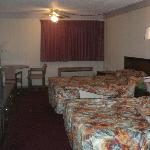 Does this look like a 2 star room to you?  A 1 star rating would be TOO KIND!