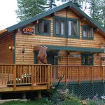 Mt. Robson Mountain River Lodge resmi