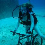 Karoline cycles on the botom at the wreck Ore Verde