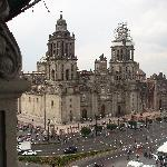  Best Western Majestic, Mexico City - Blick von Dachrestaurant auf Zocalo mit Kathedrale