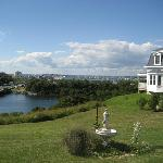 Payne's Harbor View Inn resmi