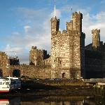 Beautiful Caernarfon Castle which is very nearby the hostel.