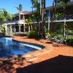 Pool Area back to Motel