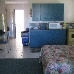  Villager Lodge Motel- Kitchenette (Efficiency Suite)
