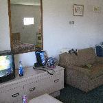 Villager Lodge Motel- Living room with sofabed