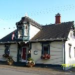 Photo de 1826 Maplebird House Bed & Breakfast