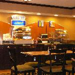  Holiday INN Express Breakfast bar FREE