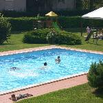  Pool und Spielplatz