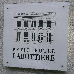 Photo de Petit Hotel Labottiere