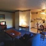 Coral Reef Inn & Suites