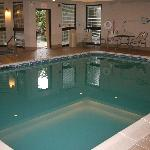 Indoor pool at the Courtyard Lynchburg