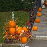 driveway decoration in front of inn