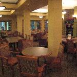  Breakfast dining area near the lobby
