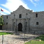  famous Alamo