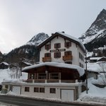 Bellevue Alpine Lodge resmi