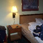  Our room, with the bed that wouldn&#39;t stay made.