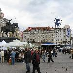 Jelacic Square -day