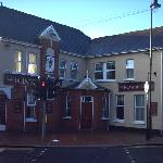 The Dillwyn Arms Hotel resmi