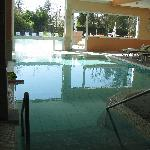  piscina interna ed esterna