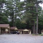 Lee's Motel and Cottages