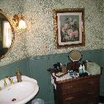 Beau Fleuve B&B - Irish Room Bathroom