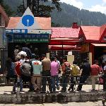 Queue at SBI ATM next to Hotel Kunzam