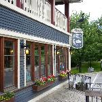  Auberge Knowlton, historic inn.