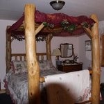 Foto de Emerald Pines Refuge Bed and Breakfast