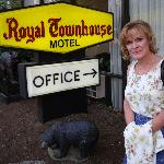 Royal Town House Motel resmi