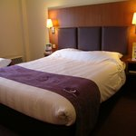 Photo de Premier Inn Swansea City Centre