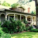 Foto de Seven Oaks Bed and Breakfast