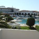 Photo de Niriides Beach Hotel
