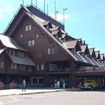 ‪Old Faithful Inn‬