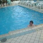  Swimmingpool beim Hotel