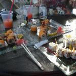  Sushi and drinks on the beach