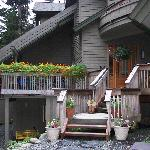 Hidden Creek Bed and Breakfast resmi
