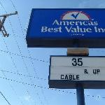 Photo de Americas Best Value Inn - San Antonio / Lackland AFB