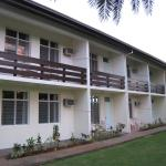 Sandalwood Lodge resmi