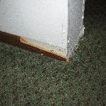  Floor Molding Damage