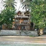Photo de Thaproban Beach House